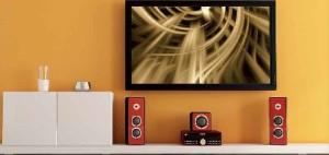 tv-drzak-na-zeď-televize-a-reproduktory