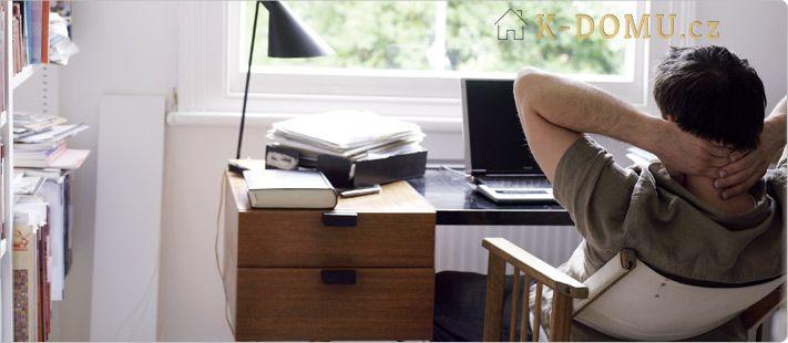 prace doma člověk stůl židle