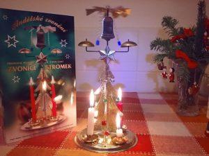 Andělské zvonění - cinkající vánoční svícen dekorace